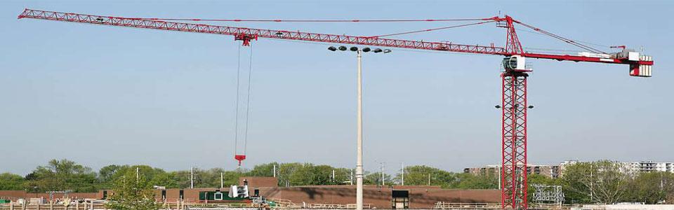 塔吊不得靠近架空输电线路作业